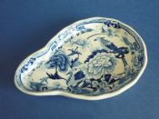 Mason's Patent Ironstone China 'Blue Pheasants' Spoon Rest c1820